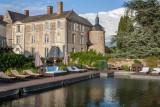 faire-trempette-dans-la-piscine-du-chateau-de-l-epinay-pres-d-angers-780784-797324