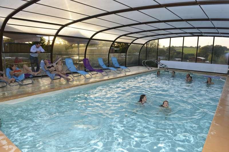 piscine-couverte-et-chauffee-511947